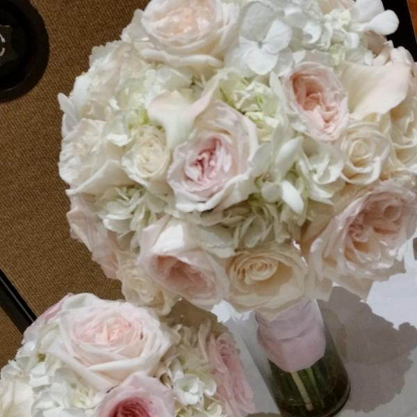 White hydrangeas and blush garden roses